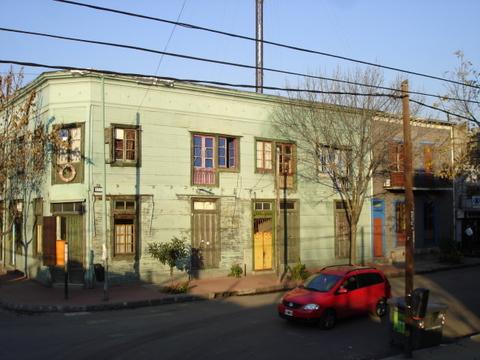 m restoLa Boca | Bairro do Boca Juniors | As casas eram pintadas com restos de tintas usadas na pintura de navios.