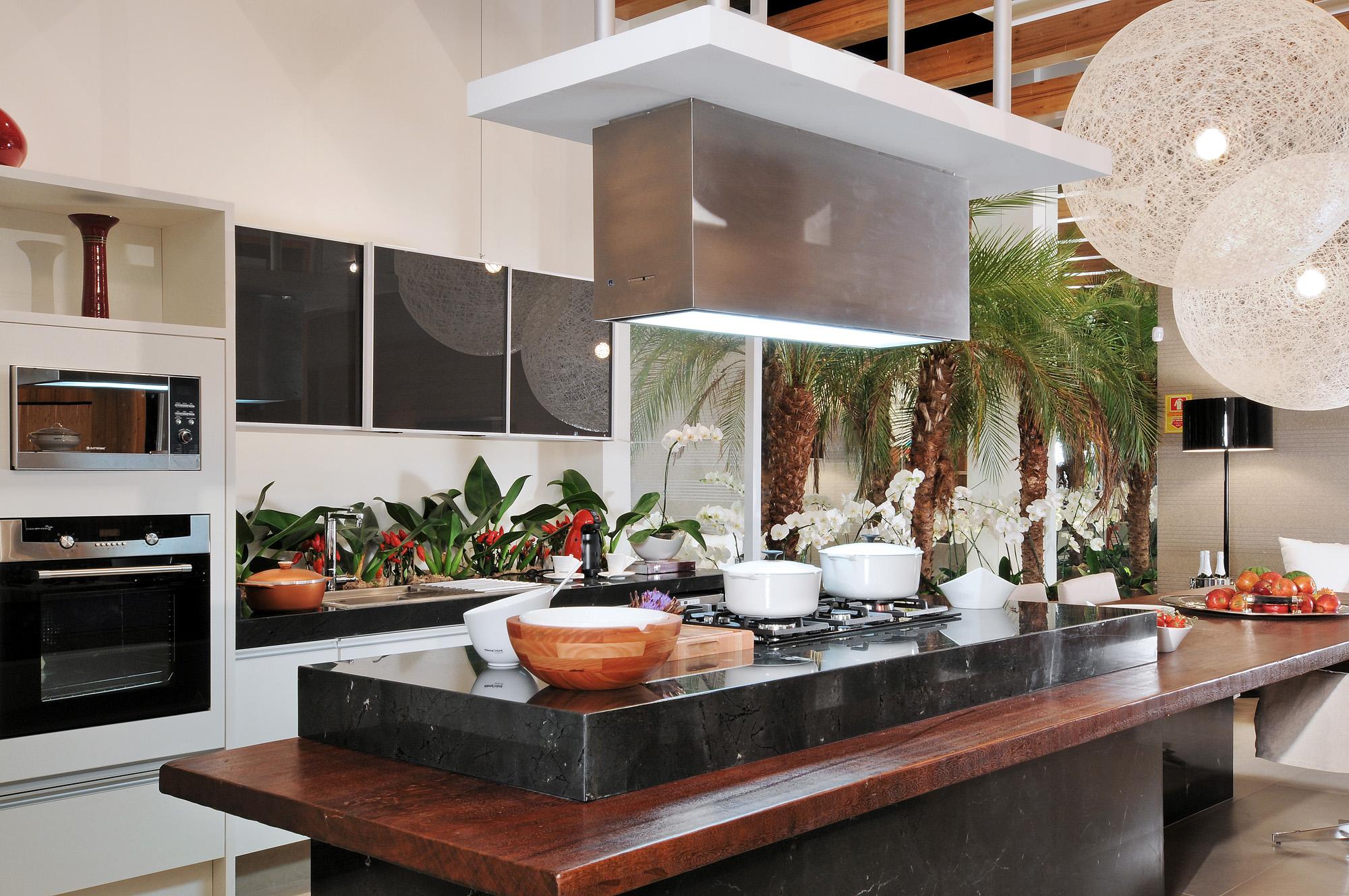 Cozinha gourmet a nova sala de estar casa cor goi s for Sala de estar gourmet