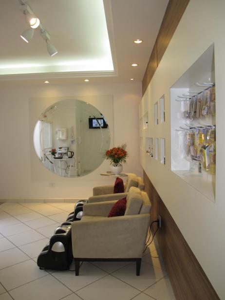 sala de espera com massagem - depois